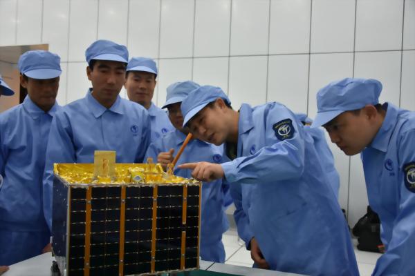 Micro/nanosatellites